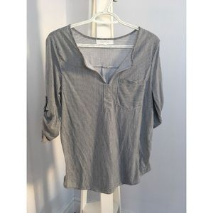 Loose blouse - Eden & Olivia - Size Small